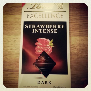 Lindt_Strawberry_Intense_Dark_Chocolate
