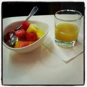 Fresh_Fruit_Salad_and_Pineapple_Juice